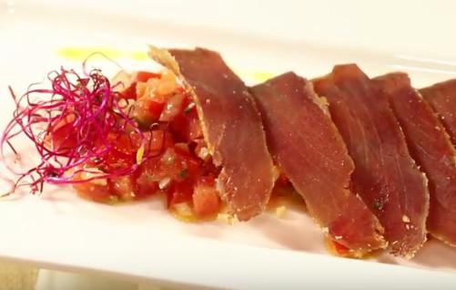 plato con mojama de atun rojo