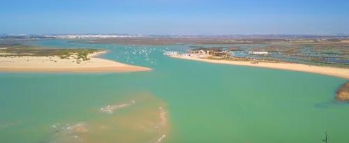 Punta del boqueron y playa de sancti petri