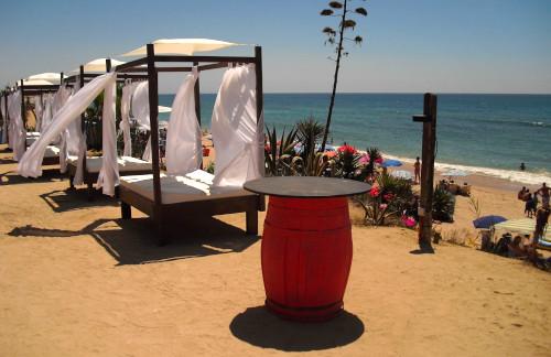 playa de zahora camas balinesas