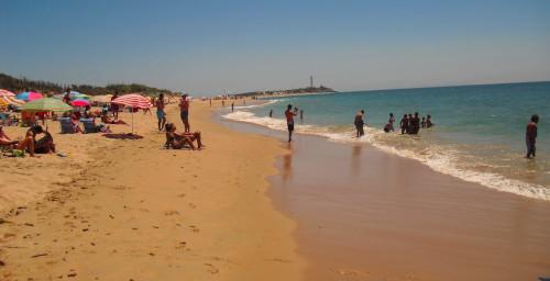 playa zahora y faro de trafalgar