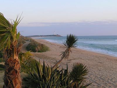 playa de zahora y faro trafalgar