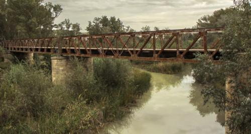 puente de hierro junta de los rios