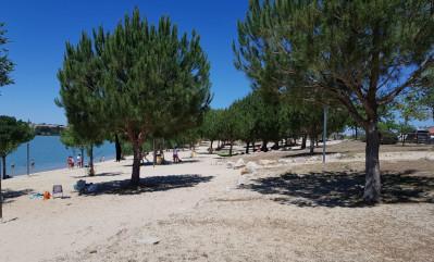 playa artificial embalse de arcos