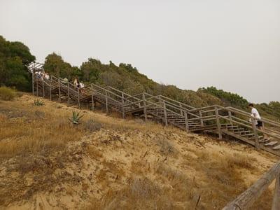 escalera playa ancla